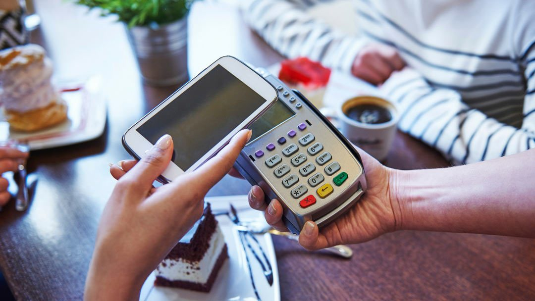 How is e-commerce becoming m-commerce